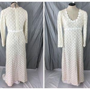 Vintage Crochet Flower Lace Wedding Dress Scoop